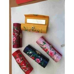 estuche pintalabios con espejito varios colores