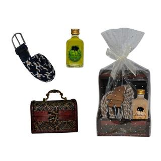 Pack detalles de boda botella de licor con cinturón y baúl