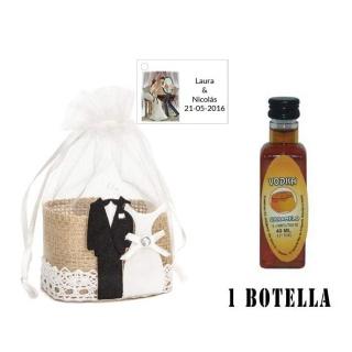 Licor Vodka Caramelo en cesta de mimbre y tarjeta