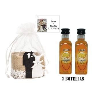 Licor Mandarina en cesta de mimbre y tarjeta