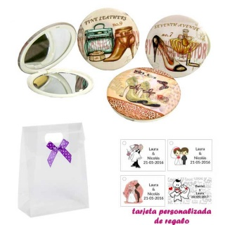 Espejos vintage con zapatos de tacón y bonitos dibujos, con caja de acetato con lazo morado de lunares y tarjeta personalizada