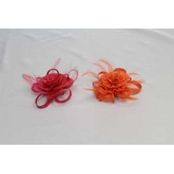 Tocado Flor Sinamay y Pluma tintadas en 2 colores