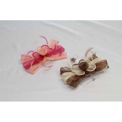 Tocado-Peina Flor en Lazo Sinamay y  plumas 2 colores