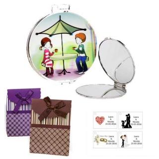 Espejo con sombrilla y niños, con caja de rayas con lazo y tarjeta personalizada