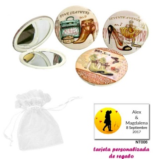 Espejos vintage con zapatos de tacón y bonitos dibujos, con bolsa blanca de organza, y tarjeta personalizada