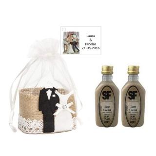 Licor Crema en cesta de mimbre y tarjeta