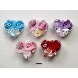 Estuche de corazon con 3 rosas de jabon decorado