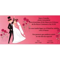 Invitación original de boda novios y rosas