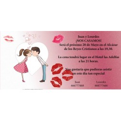 Invitación original de boda novios besos